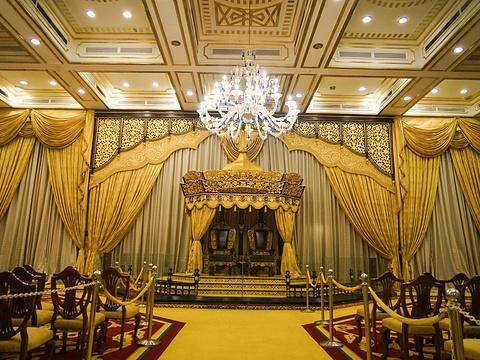 旧国家皇宫旅游景点图片