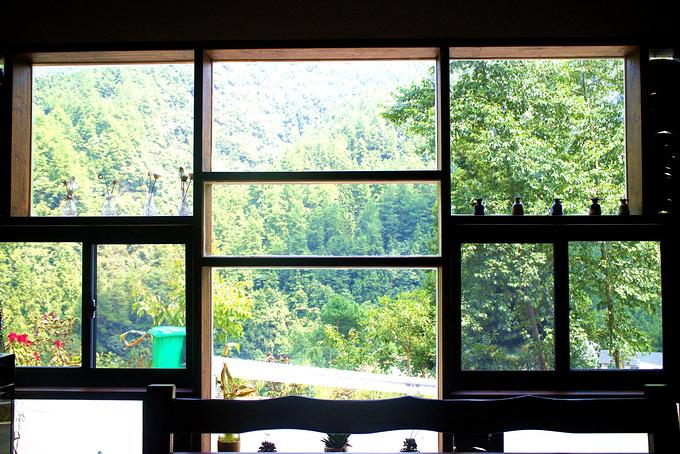 """夜宿""""张家界森林公园半坡里.客舍""""图片"""
