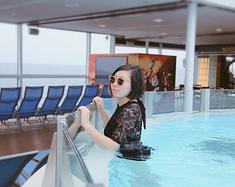 牵手闺蜜乘坐皇家加勒比游轮海洋量子号,打卡日本福冈经典之处