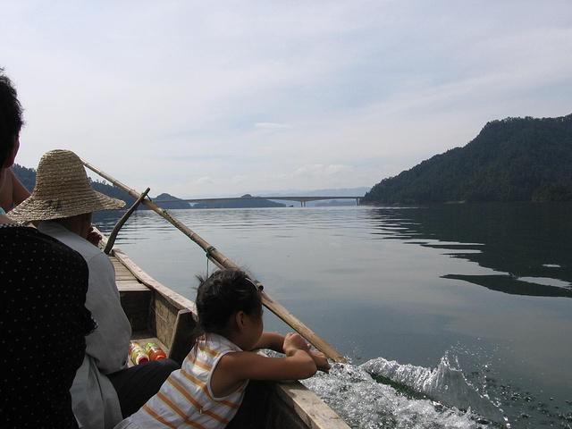 """""""第三个词:美,风景不错,岛湖以1078个岛屿入选世界纪录协会世界上最多岛屿的湖,创造了世界之最_千岛湖景区""""的评论图片"""