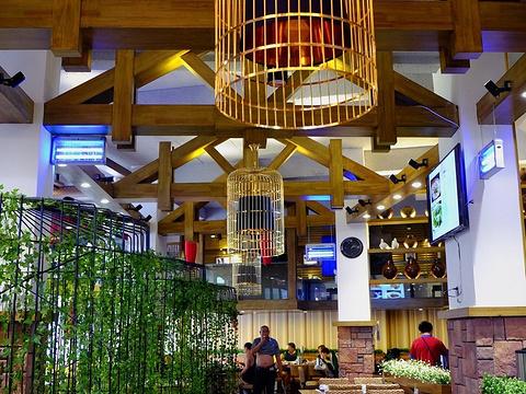 乌龙山寨民族餐饮(溪布街店)旅游景点图片