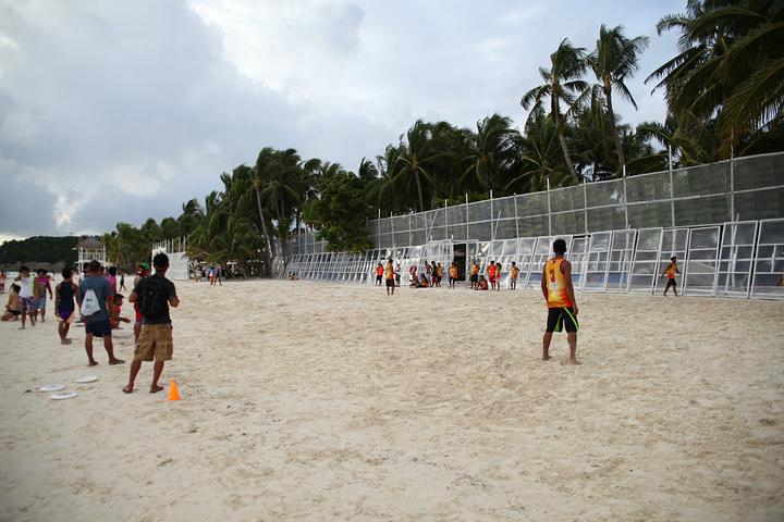 """""""特别是到了傍晚,这块沙滩也比较热闹,有堆沙雕的、打排球的等各种活动,这块还有一个比较推荐的就是..._星期五海滩""""的评论图片"""