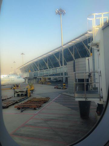 2017二楼出发层分为国内和国外两个片区 浦东国际机场评论 去哪儿攻