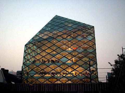 Prada青山旗舰店旅游景点攻略图