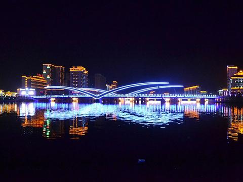 滨河公园旅游景点图片