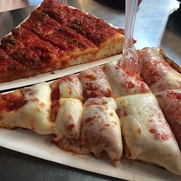 Pizzeria Spontini(Via Santa Radegonda)旅游景点攻略图