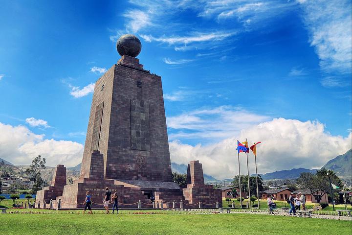 """""""据说,世界上只有两个国家建有纪念赤道的公..._赤道纪念碑""""的评论图片"""