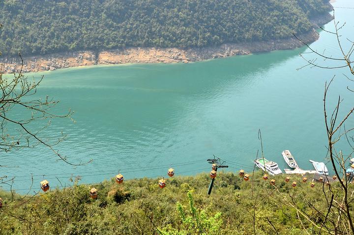 """""""江北的景色很美,山清水秀,崖雄峰奇,空气也很清新,可以很好的欣赏周围的美景,心情也会很好_芙蓉江""""的评论图片"""