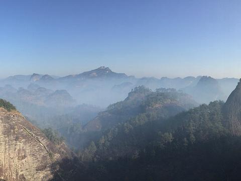 虎啸岩旅游景点图片
