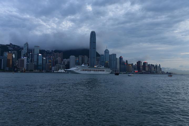 """""""必须买张一日通的地铁卡大概80元人民币/张,香港不管去哪里坐地铁都不用愁啦,如果从罗湖过关可从..._维多利亚港""""的评论图片"""