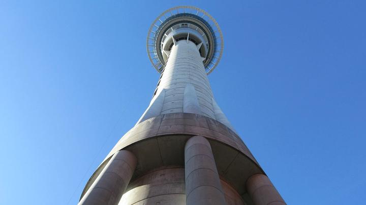 """""""是南半球最高的独立建筑物_天空塔""""的评论图片"""