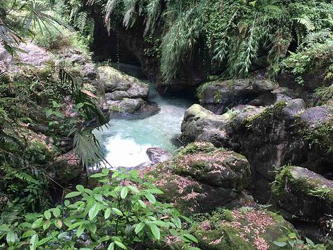 白龙洞旅游景点图片