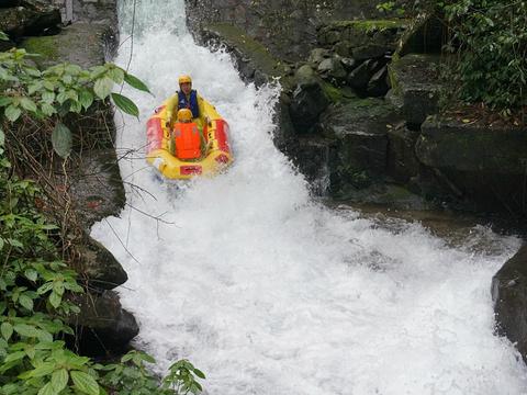 龙颈河漂流旅游景点图片