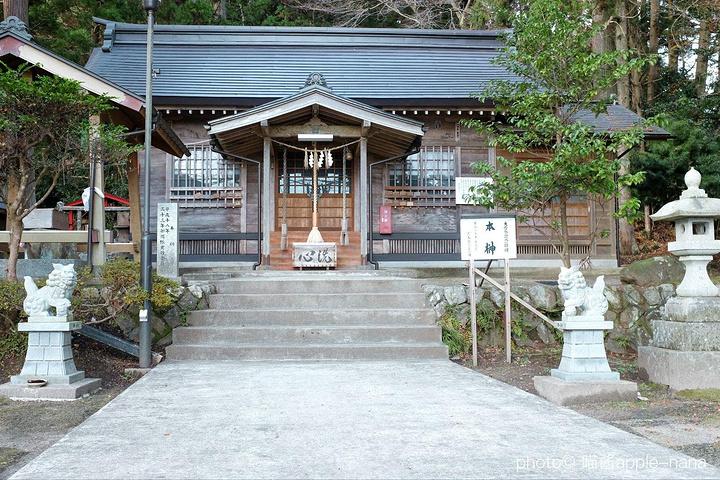 """""""我觉得建筑和庭院的感觉跟京都奈良又很不同_瑞严寺""""的评论图片"""