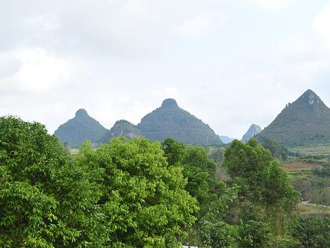 双乳峰景区旅游景点图片