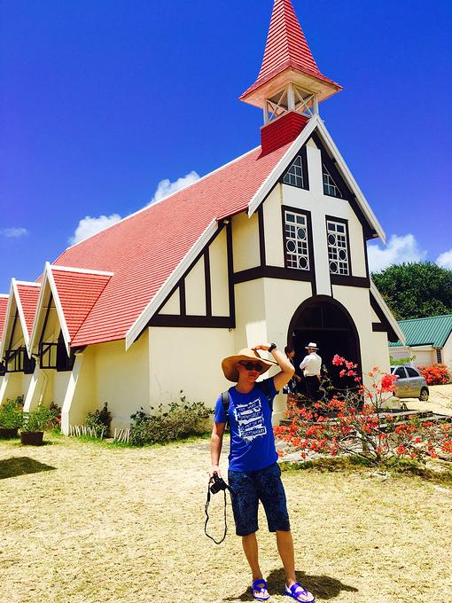 红顶教堂图片