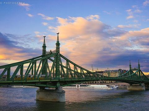 自由桥旅游景点图片