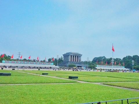 巴亭广场旅游景点图片