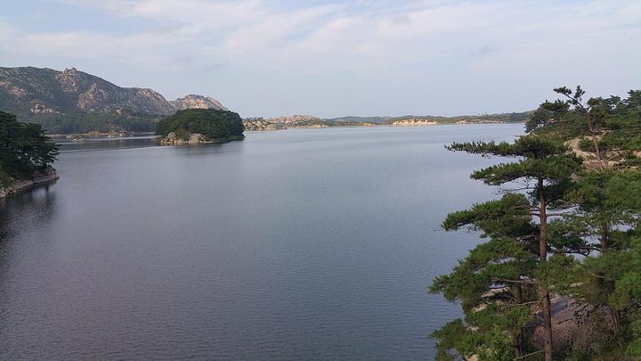 """""""传说在古代,有一位朝鲜王听说有个地方风景很美,于是决定去游览一天,然而美景当前,乐而忘返,结..._三日浦""""的评论图片"""