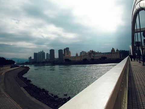 解放大桥的图片