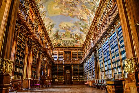 斯特拉霍夫修道院神学图书馆