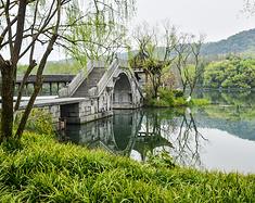 四月的杭州,是一方百花争艳的人间天堂