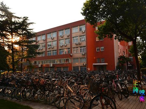 复旦大学旅游景点图片