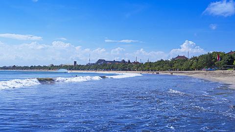 库塔海滩的图片