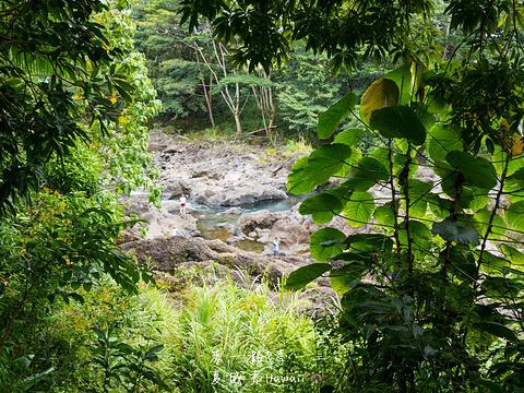 彩虹瀑布旅游景点图片