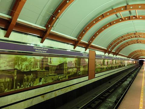 Ploschad Vosstaniya地铁站