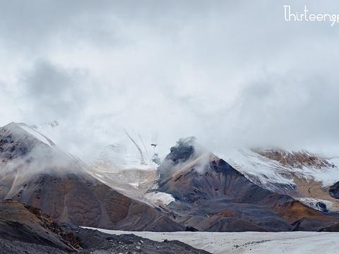 阿尼玛卿雪山旅游景点图片
