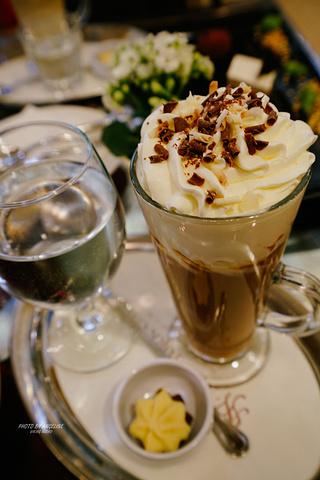 """""""全球十大最美咖啡馆之一的纽约咖啡馆是布达佩斯的打卡地,始于1894年的这家百年咖啡馆每天营业时间超长_纽约宫咖啡厅""""的评论图片"""