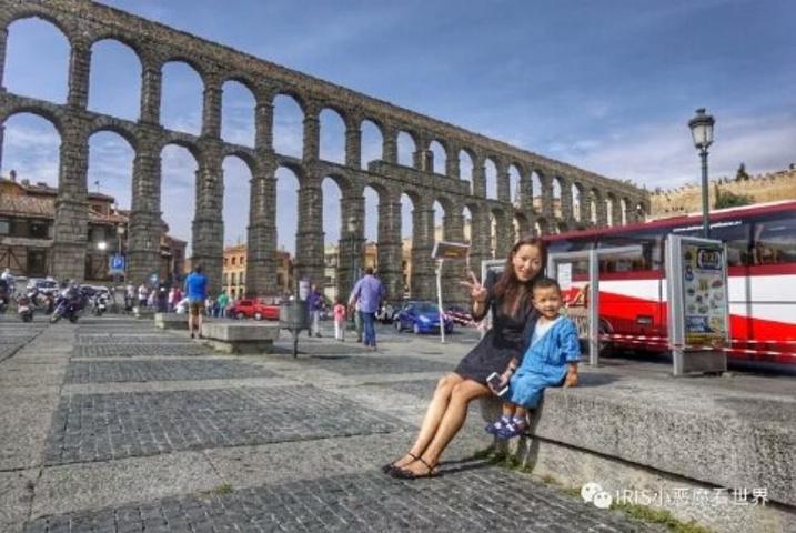 """""""...维亚,最先映入眼帘的是一座最具标志性的建筑——古罗马时期建造的高架引水渠,它绝对会使你过目不忘_塞哥维亚""""的评论图片"""