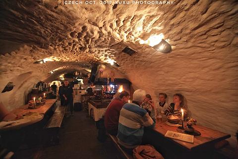 洞穴餐厅旅游景点攻略图