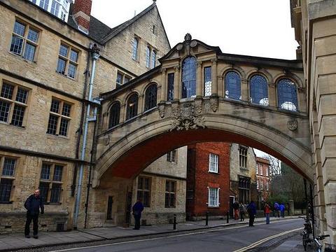 牛津叹息桥旅游景点图片