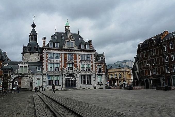 老城广场图片