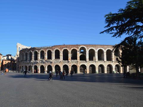 维罗纳圆形竞技场旅游景点图片