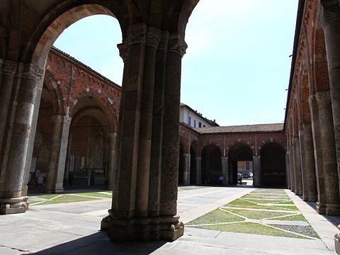 圣安布罗斯大殿旅游景点图片
