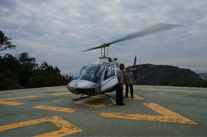 激动的直升机之旅图片