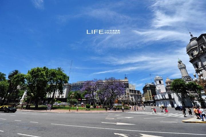 """""""与五月大街平行的有号称世界最长的里..._五月广场""""的评论图片"""