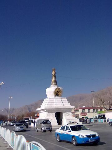"""""""她不仅是藏民们朝圣的圣地,也是我们这些旅行者心中的圣地,如果你来拉萨,最不能忽视的景点就是布达..._布达拉宫""""的评论图片"""