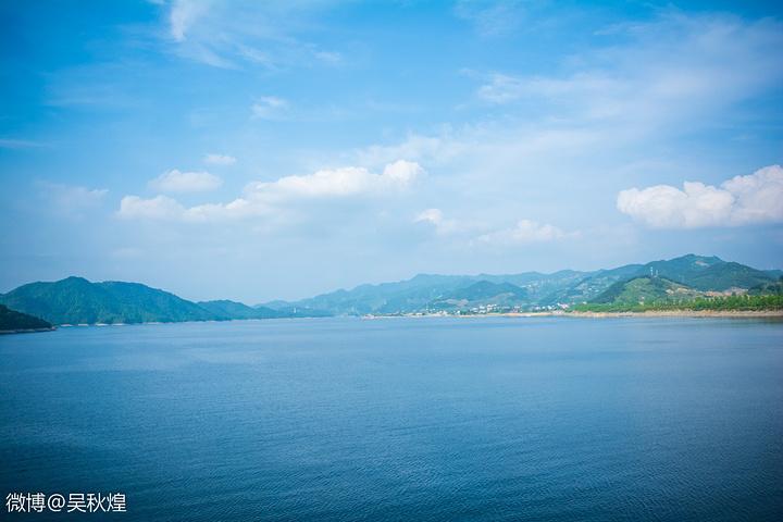 """""""推荐先去第一天骑行千岛湖,关于千岛湖的自行车出租在千岛湖大桥旁有很多,下午可以在进贤湾水上乐园..._千岛湖中心湖区""""的评论图片"""