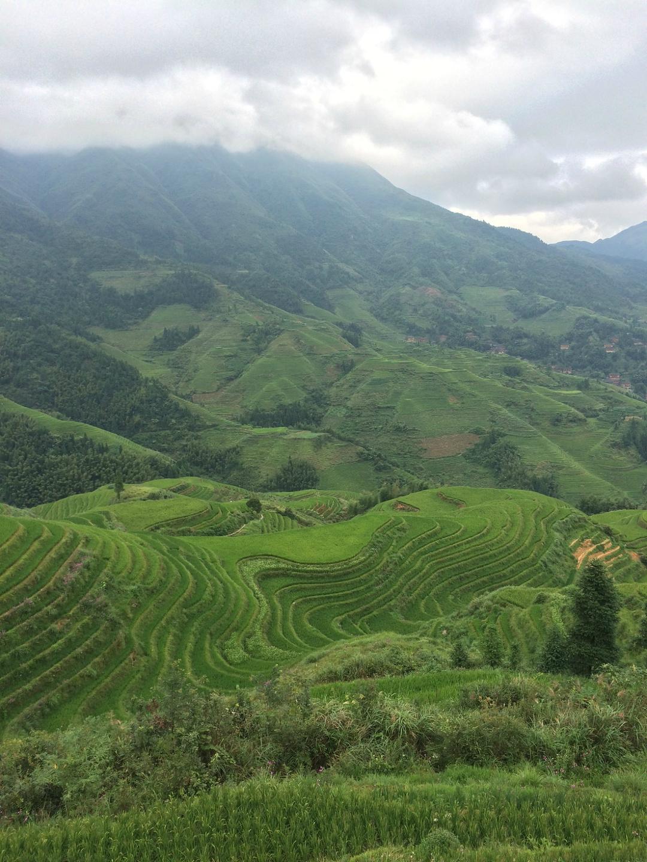 晴雨之中写山水,山水之中看桂林。