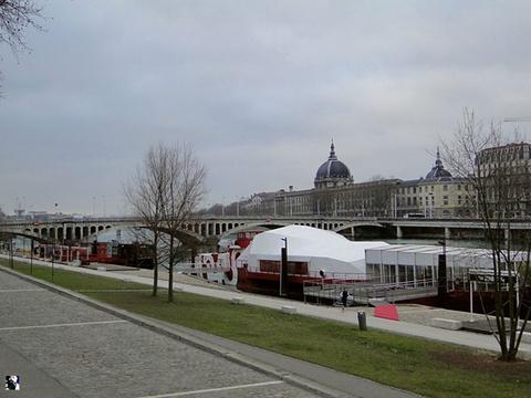 罗纳河畔旅游景点攻略图