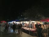 法国街苗族夜市烧烤