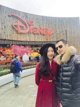 上海迪士尼旗舰店(陆家嘴店)旅游景点攻略图