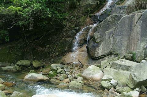 大鄣山卧龙谷旅游景点攻略图