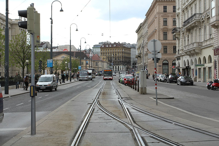 """""""...景点基本集中在环城大道(戒指路Ringstrasse),我们按攻略推荐买了维也纳卡72小时21_维也纳环城大道""""的评论图片"""