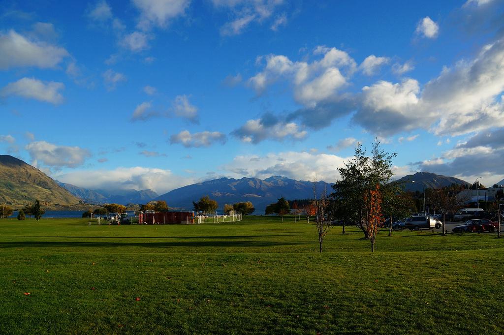 坐着巴士游中土——新西兰美景之旅(上)