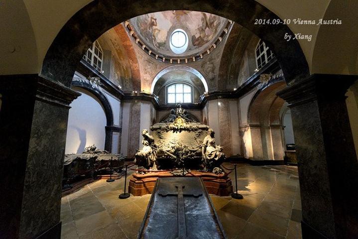 """""""进入皇家墓穴需要购买门票,票价是5.这座外型并不起眼的教堂,正是嘉布遗会修士教堂_皇家墓室""""的评论图片"""
